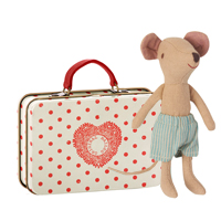 Storebror mus i resväska