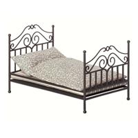 Vintage bed, Micro