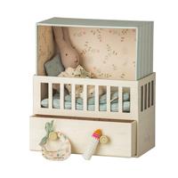 Baby room w. Micro rabbit
