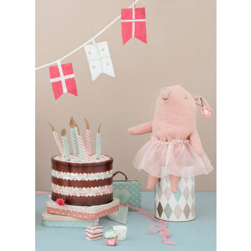 a11342-4x.jpg - Cake box with birthday candles - Elsashem Butiken med det lilla extra...