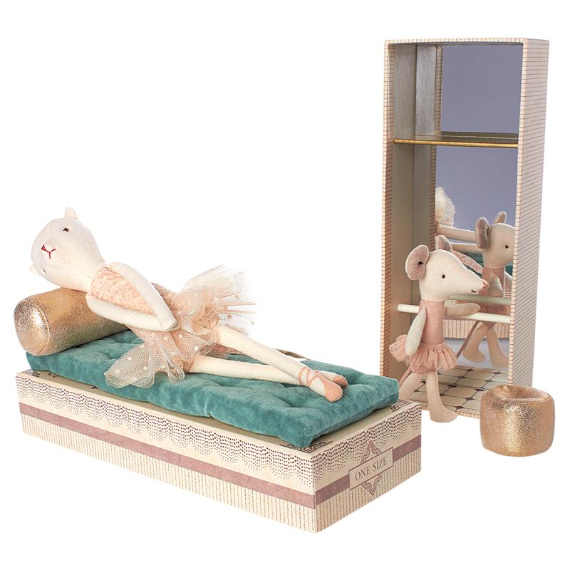 a12506x.jpg - Dancing Cat and Mouse in Shoebox - Elsashem Butiken med det lilla extra...