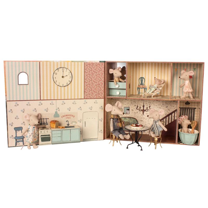 a13317-2x.jpg - Mouse book house - Elsashem Butiken med det lilla extra...