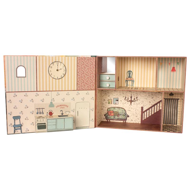 a13317-3x.jpg - Mouse book house - Elsashem Butiken med det lilla extra...